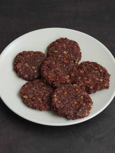No Bake Chocolate Oats Cookies
