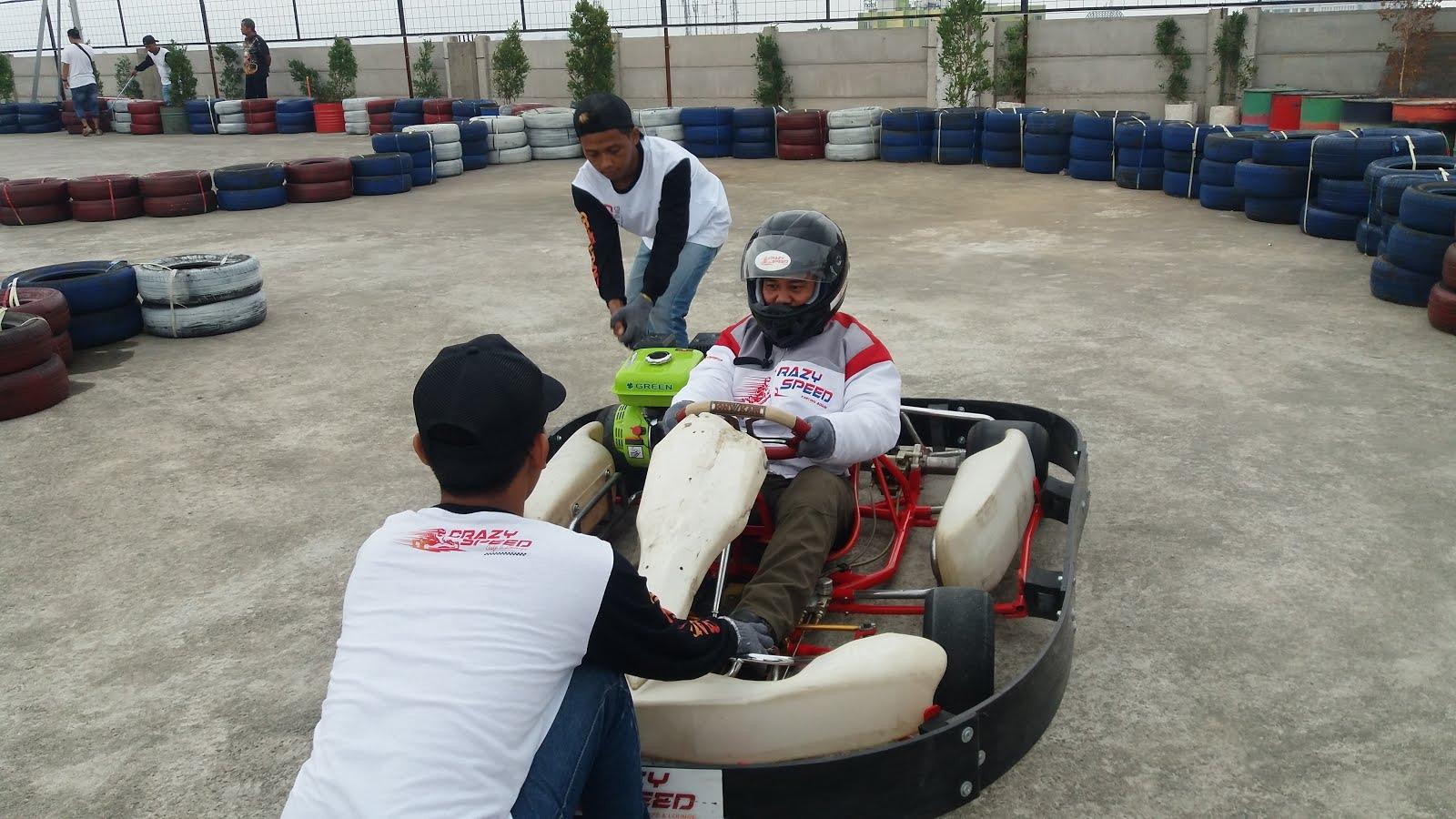 Yuk Main Gokart Di Crazy Speed Karting Cafe Lounge Lippo