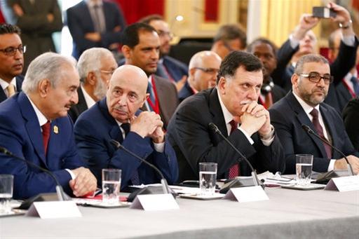 Λιβύη: Η ώρα της τελικής σύγκρουσης για το «λάφυρο» της Β. Αφρικής