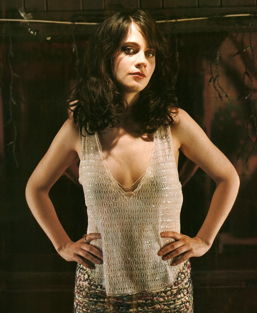 Alexandra daddario nude true detective s01e02 4