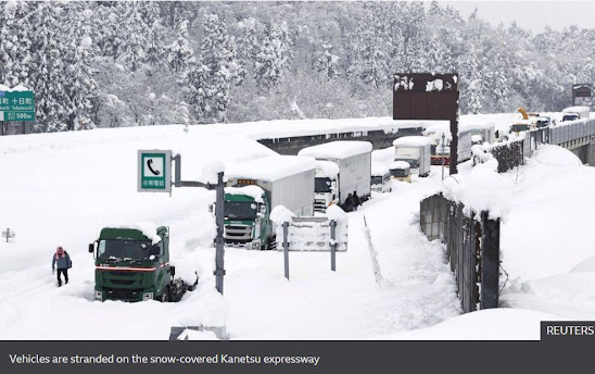 1,000 Stranded Vehicles in Japan SNowstorm