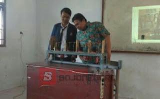 Sidang TA Mahasiswa Teknik Otomotif rintisan AKN Bojonegoro Hasilkan Karya Tepat Guna