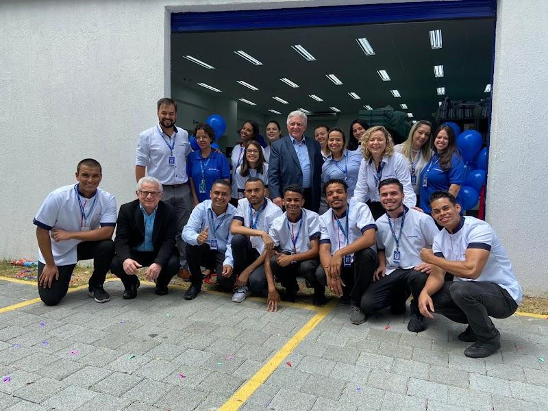Rede de farmácias Pague Menos inaugura sua primeira unidade exclusiva e-commerce