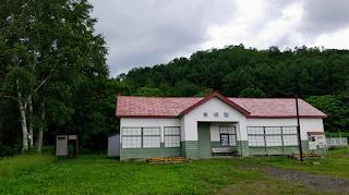 旧美唄線・東明駅舎