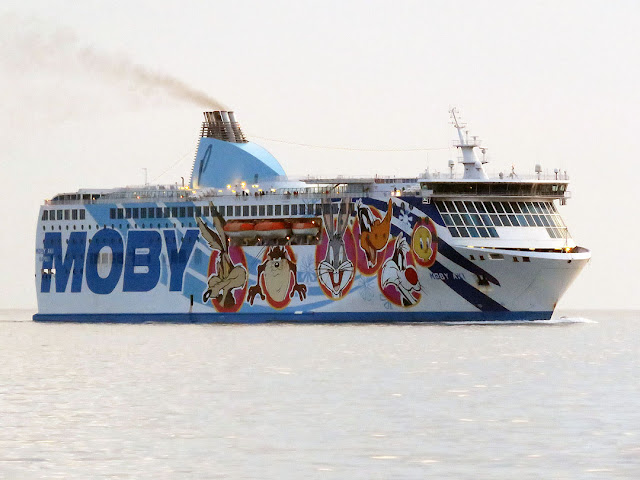 Ferry Moby Aki, IMO 9299393, port of Livorno