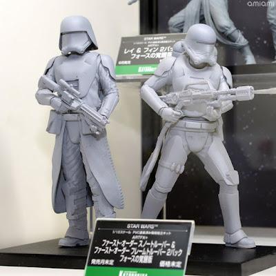 Star Wars: The Force Awakens – First Order Snowtrooper & First Order Flametrooper