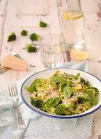 Paglia e Fieno con brócoli y champiñones al limón