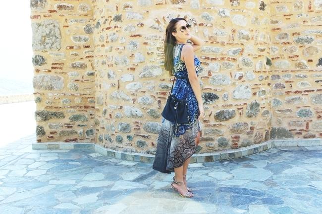 Zmijski print haljina i sandale zmijski print