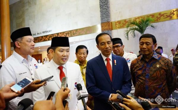 Mantan Relawan: Ingin Lepas dari Kasus Hukum, HT Berlindung pada Presiden