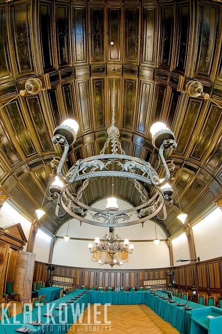Tarnowskie Góry: wnętrze sali obrad rady miejskiej