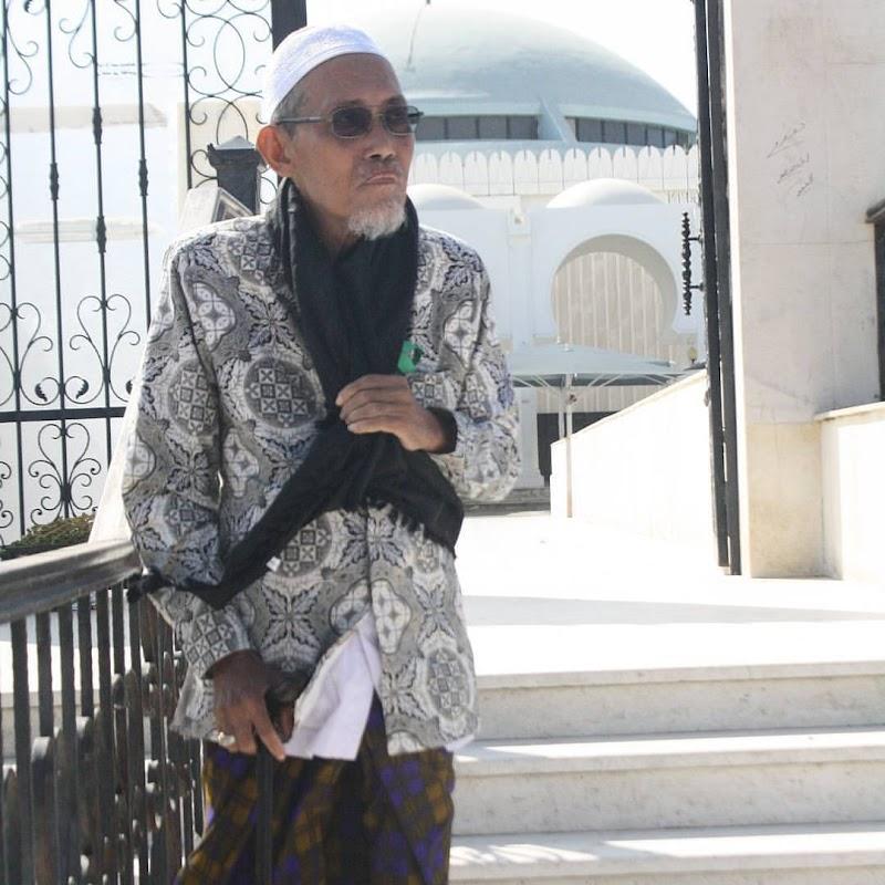 KH. A. Tamamuddin Munji al-Mutamakkin: Gigih Pada Pendampingan Sosial dan Menjaga Marwah NU