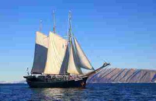 Lirik Lagu Perahu Layar
