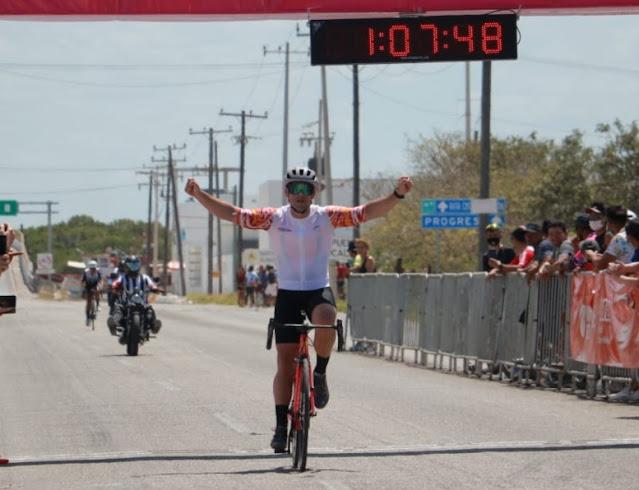Alan Carrillo, máximo ganador en el MZ Tour de Ciclismo