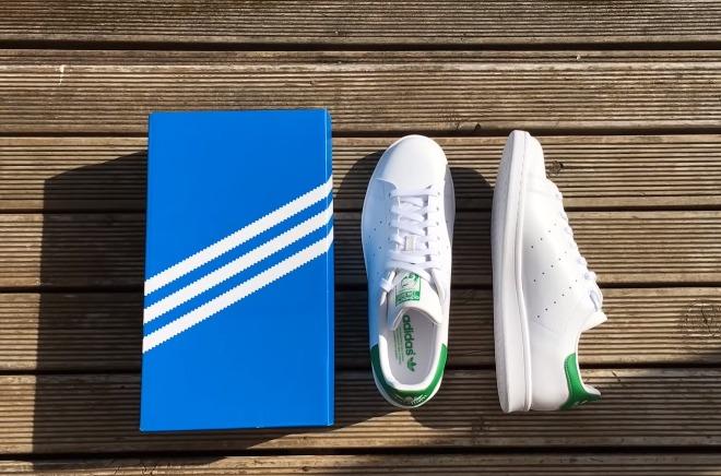 stan-smith-ta-apolyta-sneakers