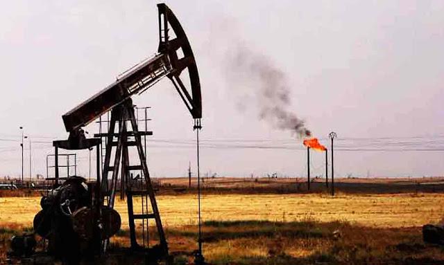 رمادة: معتصمو الكامور يقطعون طريق الإمداد باتجاه الحقول البترولية