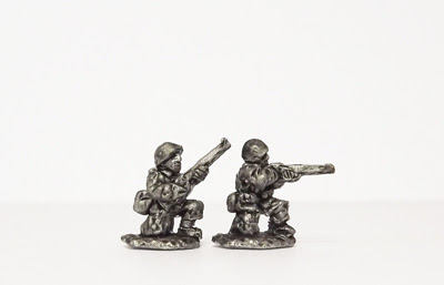 POL3   Foot, kneeling/firing