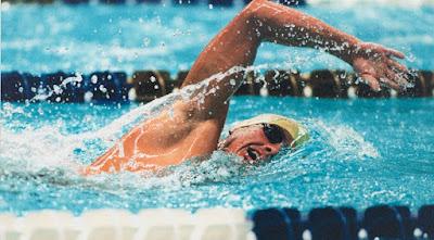 تفسير حلم السباحة في المنام بمختلف تأويلاته وتفسيراته