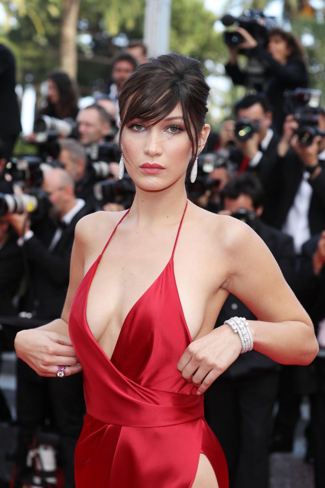 Foto Seksi Hot Model Bella Hadid di Red Carpet Cannes