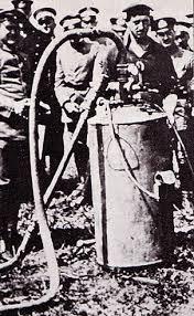 www.fertilmente.com.br - Grossflammenwerfer, o trambolho que matava de vergonha e também de tiro inimigo