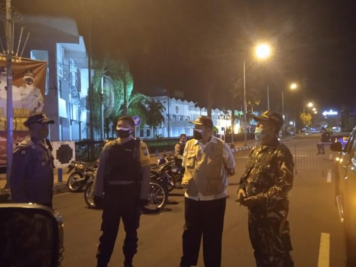 Tim Gabungan TNI-Polri dan Instansi Terkait Melaksanakan Patroli Keliling Pengamanan Malam Takbiran Wilayah Patrang Jember