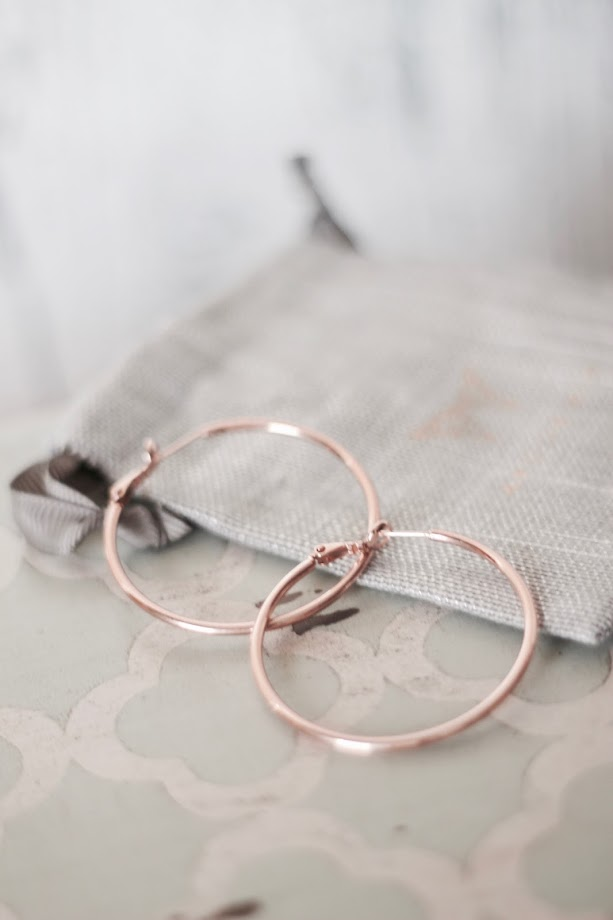 photo-pendientes-aro-plata-rosa-grande-apodemia