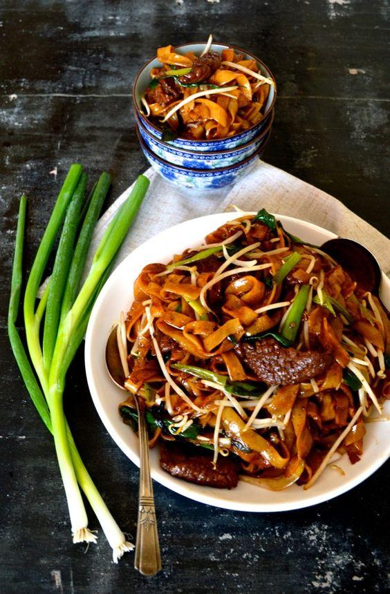 beef chow fun rice noodles gon chow ngau ho  recipe 88