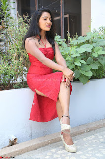 Mamatha sizzles in red Gown at Katrina Karina Madhyalo Kamal Haasan movie Launch event 068.JPG