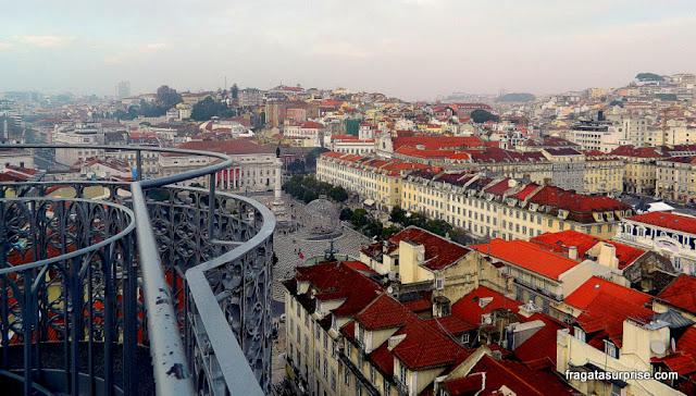 Lisboa: a Praça do Rossio vista do Mirante do Elevador de Santa Justa