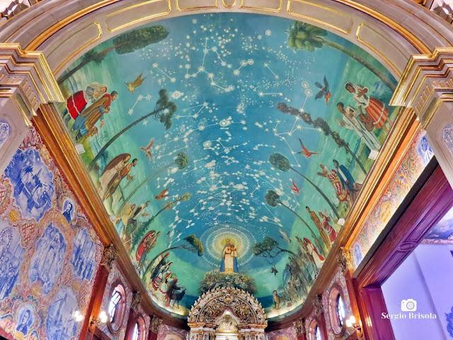 Vista ampla da abóbada do Altar-mor da Paróquia Nossa Senhora do Brasil - Jardim América - São Paulo