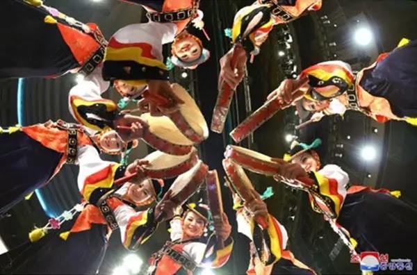 (2) Drum dance, folk dance of Korean nation