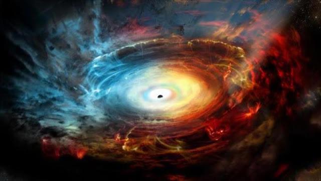 Toman foto de un agujero negro por primera vez en la historia