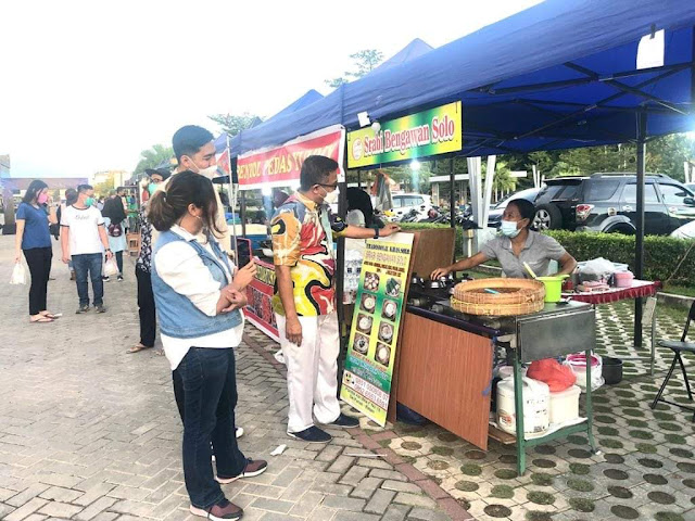 Kepala Disbudpar Kota Batam Buka Bazar Kuliner di Mall Botania 2