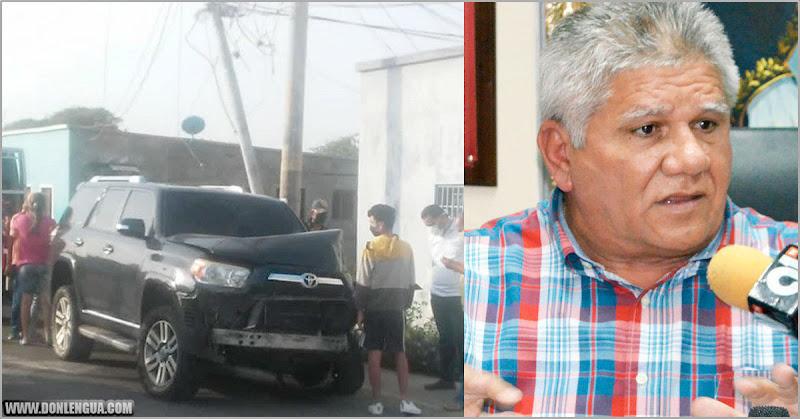 Alcalde chavista en estado de ebriedad chocó su camioneta contra un poste de luz
