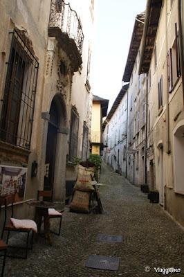 Uno dei viottoli del centro storico di Orta San Giulio