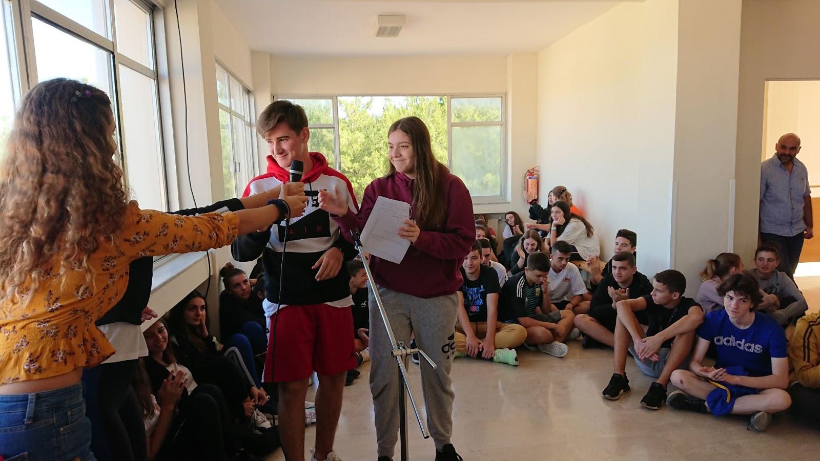 απόφοιτος κολεγίου που χρονολογείται από το γυμνάσιο Dating Αυστρία