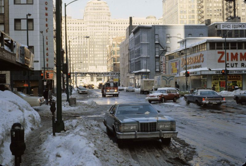 24 Amazing Color Photos Capture Chicago's Street Scenes During the Blizzard of 1979