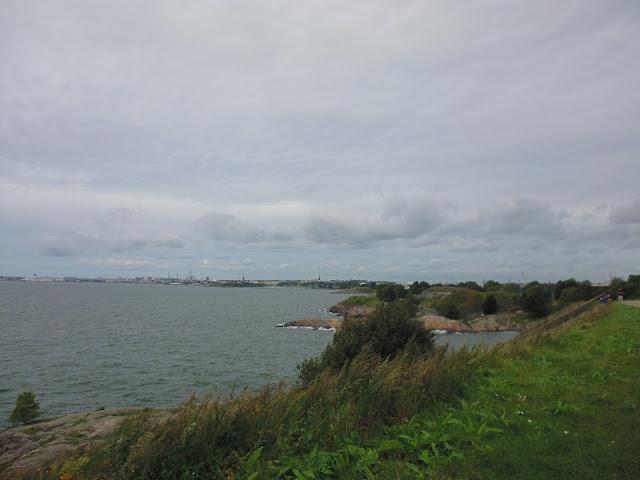 Vistas del Mar Báltico y de la ciudad de Helsinki en Kustaanmiekka (Fortaleza de Suomenlinna) (Helsiknki) (@mibaulviajero)