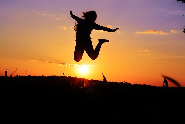 आयुष्य स्वत: ला शोधण्याबद्दल नाही परंतु स्वत: ला तयार करण्याविषयी आहे I Instead of Discovering your life, create your own life.