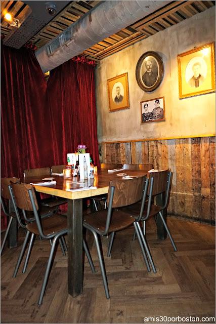 Interior de la Hamburguesería Cannibale Royale en Amsterdam