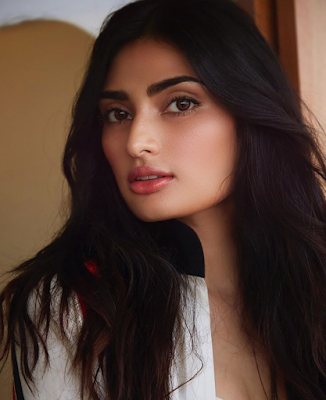 Athiya Shetty - Biography, Wiki, Age, Height, Weight, Family, Education, Movies, Boyfriend, Affairs, Social Media More