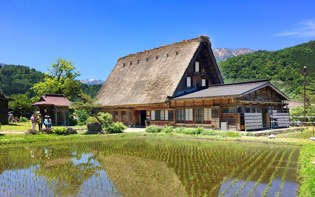 Historic Villages of Shirakawa-gō