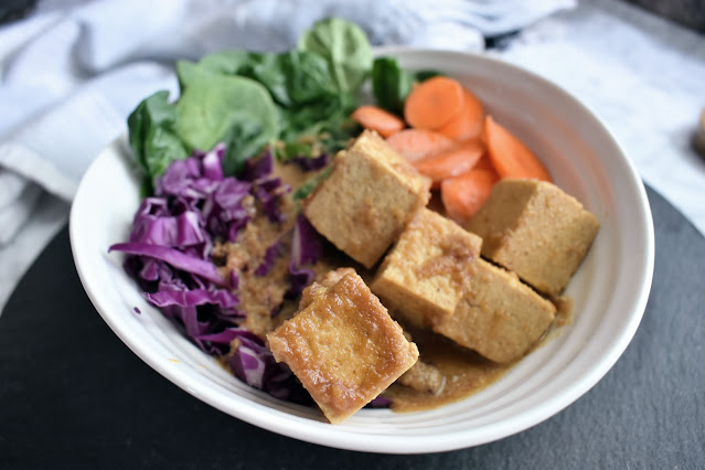 Peanut Sauce Tofu with Vegetables on Noodles