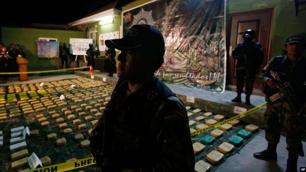 En un memorando firmado por el presidente Donald Trump, se indentifican a las principales naciones de tránsito de drogas o principales países productores de drogas ilícitas / AP