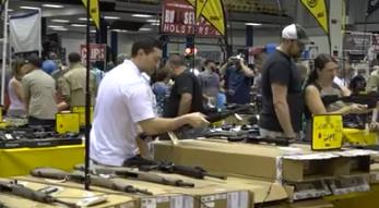 "Florida Gun Show sees ""record number"" of attendees despite gun control debate"