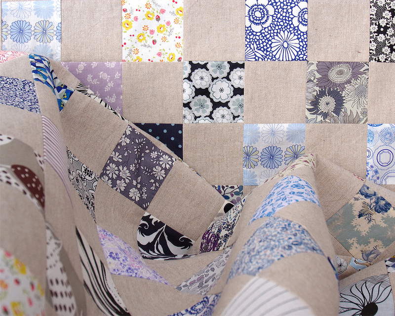 Liberty of London Tana Lawn and Chambray Checkerboard Quilt - The Blues | © Red Pepper Quilts 2018 #redpepperquilts #checkerboardquilt #libertyoflondon