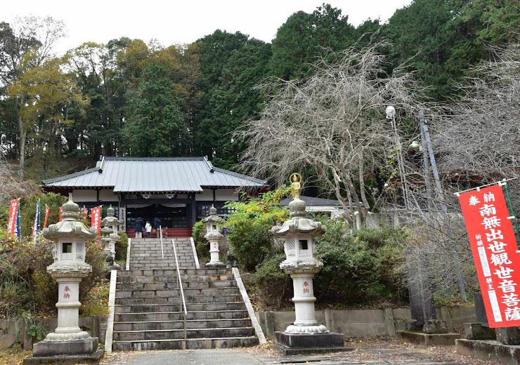 寂しげな佇まいの養老山立國寺