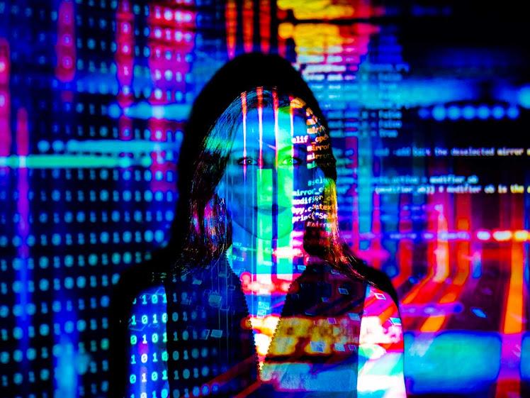 #ElasNaIA: capacitação em inteligência artificial para mulheres tem inscrições abertas