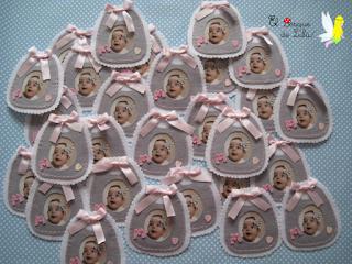 Iman babero portafotos de fieltro hechoamanoparati elbosquedelulu regalo invitados artesanal