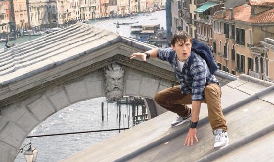 Peter Parker fuera de su elemento natural: los rascacielos