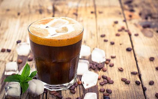 pieite-kafe-gia-meiomeno-kindyno-chronias-ipatopatheias-ti-deichnei-nea-erevna